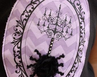 Halloween Orante Frame Chandelier Spider Tee