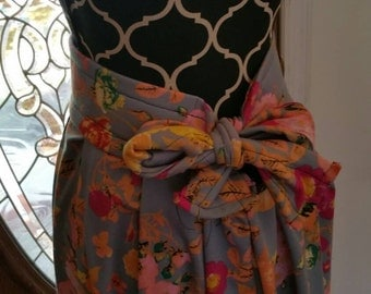 Long maxi floral print skirt with bow