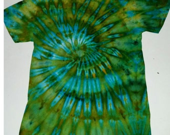 Handmade Spiral Tie Dye T-Shirt (medium)