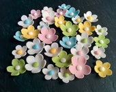 32 Sugard daisies for Cakes and Cupcakes