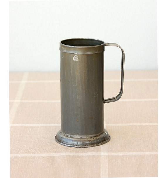 Vintage Galvanized Measuring cup Oil beaker Collectible tin Original stamped 1970's Turkish steel can jug Metal Rustic vase Country farm