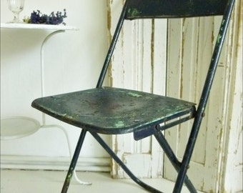 Original brasserie / bistro chair from France, Folding Chair, Metal Chair, many old layers of paint, great patina ... CHARMANT!