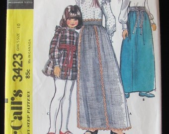 1972 McCalls 3423 Skirt and Blouse Pattern Girls Size 7 or 10