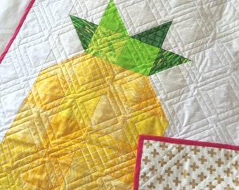Pineapple Quilt with Gold Plus Back