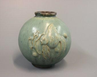 Ceramic jar by Arne Bang
