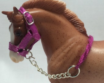 Breyer Stablemates Halter and Chain Lead