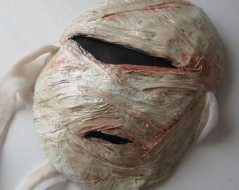 Bloody Mummy, Paper mache mask
