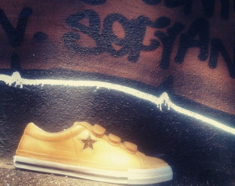 Converse one star velcro or customized