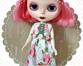 SALE Mama's Rose Garden / One-of-a-Kind Doll Dress for Blythe