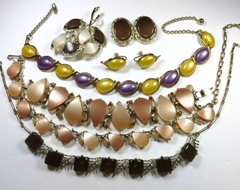 SJK Vintage -- Bundled Lot of Awesome Thermoset Chokers, Bracelet, Brooch, and Clip On Earrings (1950's-60's)