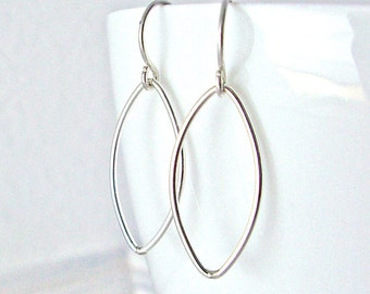 SALE: Petal Sterling Silver Earrings / Geometric Everyday Jewelry / Minimalist Modern Design