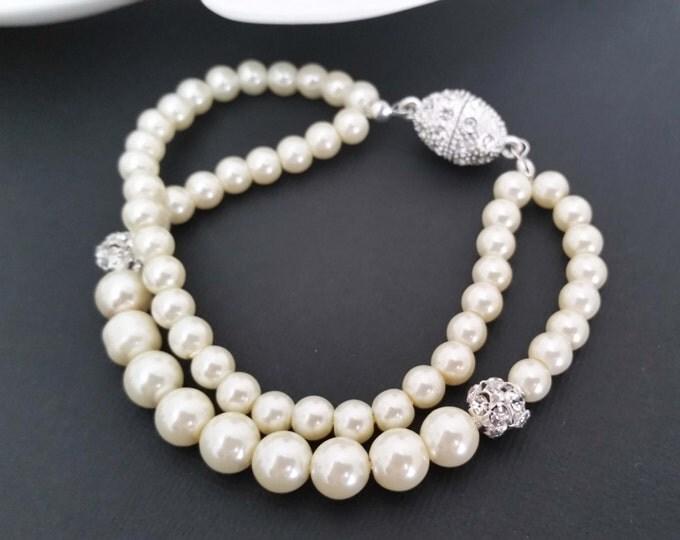 Cream Pearl Bracelet Vintage Style