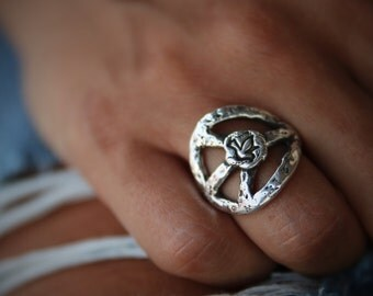 NEW Peace Sign RING, Peace Sign Jewelry, Sterling Silver Peace Sign Jewelry, Hippie Fashion, Hippie Clothing, Hippie Jewelry for Hippies