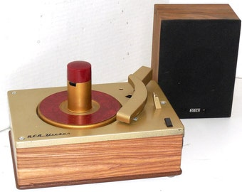 RCA Record Player with Built In Solid State Amplifier Speaker and Warranty