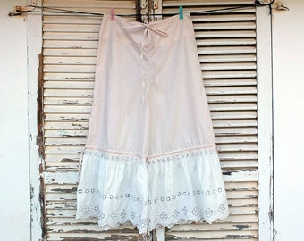Romantic Bloomers - M - Vintage Lace tire - Cream Ivory Undergarement - by Resplendent Rags