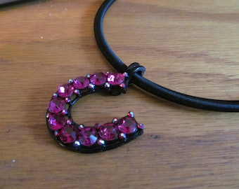 Hot pink horse shoe chocker
