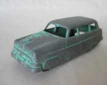 Shabby Station Wagon Ford Green Gray Vintage Metal Miniature Tootsie Toy