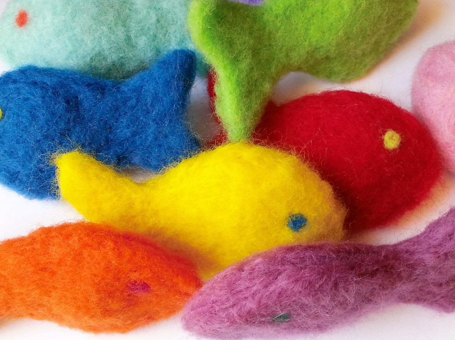 Needle felted wool catnip fish cat toy for Fish cat toy