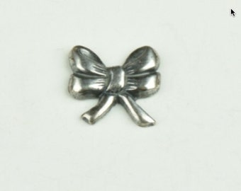Bow Charm, silver antique finish, sold in packages of 6 15126