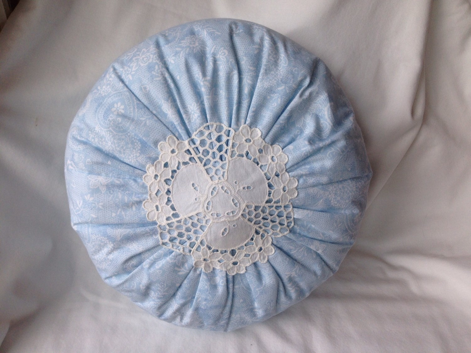 Decorative Pillows Round : Round Doily Pillow Decorative Pillow Shabby Chic by NeedleLove2