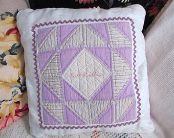 LAVENDER QUILT BLOCK Pillow 1930s Pastel Feedsacks Stitched Name, Purple Rick Rack Bakelite Buttons, Vintage Chic, Comfy Lumbar Chair Sofa