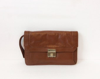 vintage leather clutch//  1980s brown wristlet organizer // bohemian handbag purse