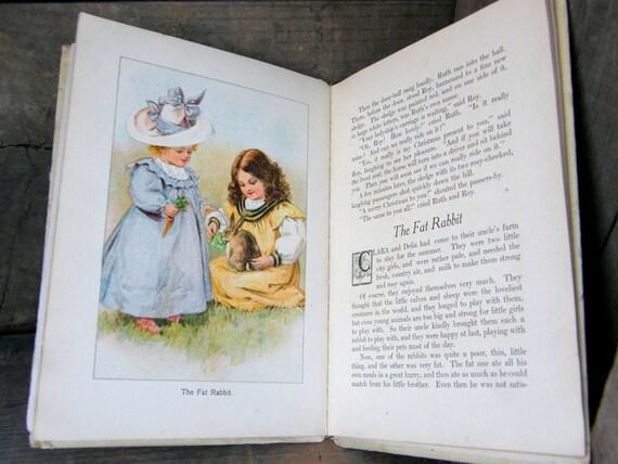 Antique Victorian Childrens Chromolitho HB Book: Tiny Tot