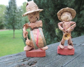 Vintage Straw Men Pair--Musical Instruments-- Hand Woven Travel Souvenirs--Mexican Kitsch--Road Trip
