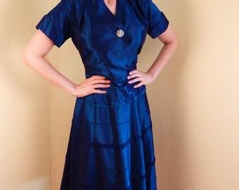 Vintage taffetta Dress rhinestone button large size Sharkskin  irridescent Stiletto Ranch