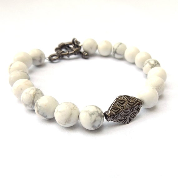 White Howlite Bracelet with Gunmetal Charm for a Small-Medium Wrist