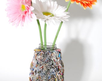 flower vase - made from recycled magazines, home decor, recycled magazines, paper, colorful, unique, unique gift, small vase, flower vase