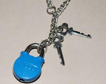 Miniature Vintage Lock and 2 Keys