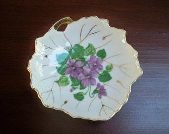 Vintage Nasco Violet Flower Dish Leaf Shape Made in Japan