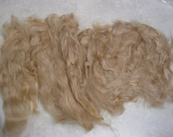 "Suri Alpaca Locks, 6-10"" Light Fawn Long Locks, Washed and Combed Locks, First Shearing Fine Locks, Doll Hair"
