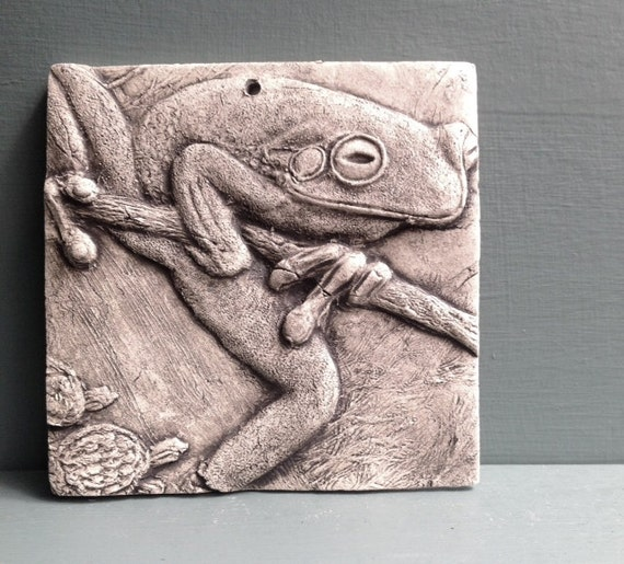 Frog ceramic porcelain relief animal tile