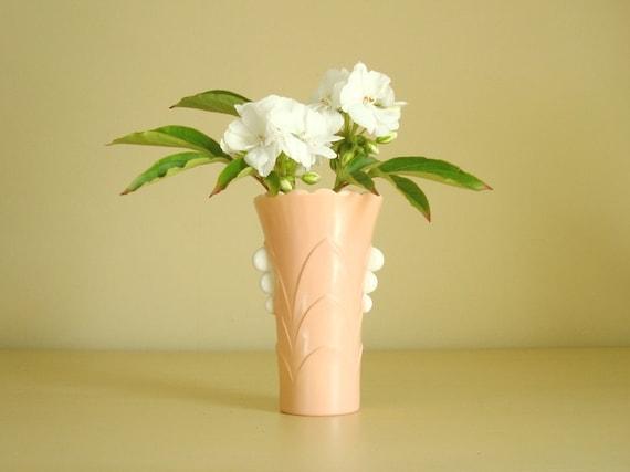 Pink vase, Fire King Deco vase, Vitrock milk glass vase, pink flower pot, art deco style vase, peachy pink, mid-century vase, scalloped rim
