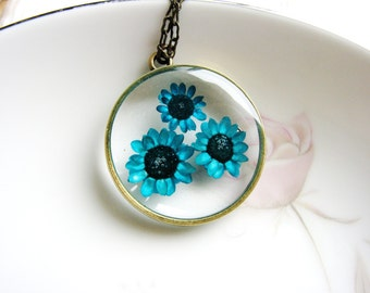 Bright Blue Flower Necklace, Pressed Flower Jewelry, Botanical Necklace, Long Pendant Necklace, Minimalist Necklace, Nature Lover Necklace