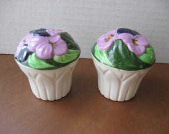 Lavender Flowers Salt and Pepper Shaker Set