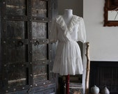lovely 70s white floral prairie top/ mini dress