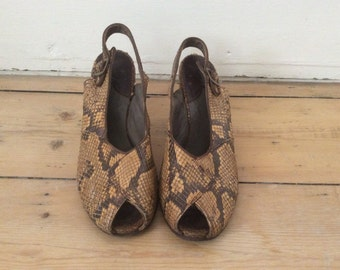 1940s Snakeskin Peeptoe Shoes / Python Leather / Vintage