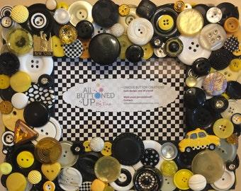 NEW YORK CITY ~ Button Frame In Black White and Yellow ~ Travel Frame ~ Desk Photo ~ Gift for Traveller ~ Boho Frame ~ for 4x6 photo