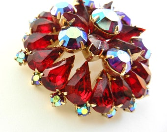 Stunning brooch--Wonderful 1950 vintage brooch - luxurious and bright - beautiful as a holiday-Art.627 -