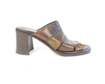 25% OFF SALE 90s Leather Mules Chunky Heel Sandals Slip On Clogs Bronze Brown Leather Sandals  Backless Shoes Cut Out Vintage Clogs Size 8