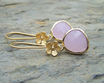 Pink Earring. Pink and gold. Pink bridesmaid earrings. Pink bridesmaids jewelry, Dangle tear drop earrings. Wedding jewelry. Bridal jewelry