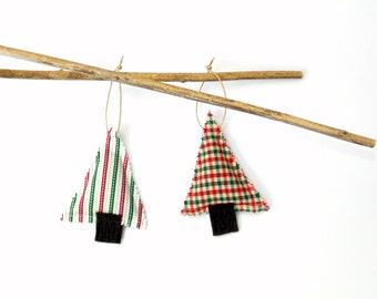 2 Christmas sachets, organic pine sachets, gift under 10, set of two sachets, plaid stripes, red green, hostess gift, pine cinnamon mix