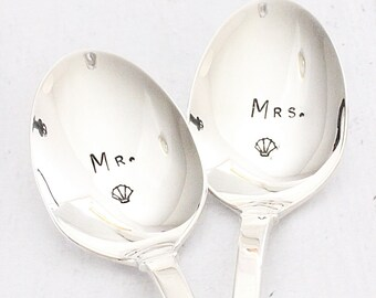 Beach Wedding Mr. Mrs. Spoons, Shell Coffee Spoons Hand Stamped Silverware Wedding Gifts for the Couple Coastal Kitchen Decor