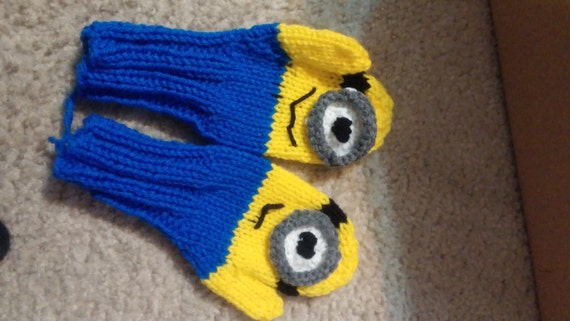 Knitted Minion MIttens