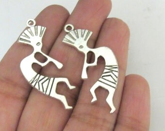 5 pieces - Reversible Kokopelli charms antiqued silver tone 39 mm x 16 mm - CM118