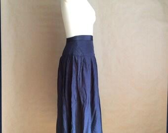 WEEKEND SALE 25% OFF / vintage 1980's blue gray sweep skirt pleated high waist