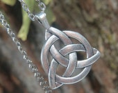 Triquetra Knot Pendant, Triquetra Necklace, Celtic Necklace, Trinity Knot, Triple Goddess Pendant, Witchcraft, Wiccan Jewelry,